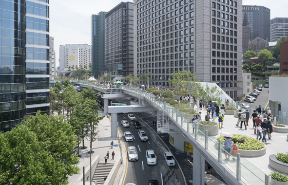 séoul, autoroute urbaine transformée en jardin suspendu