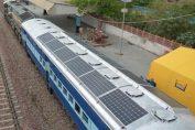 L'Inde installe des panneaux solaires sur les toits de 250 trains !